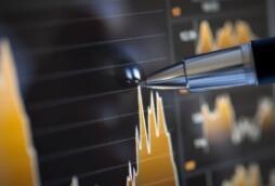 万润股份:加速成长的化工新材料定制平台