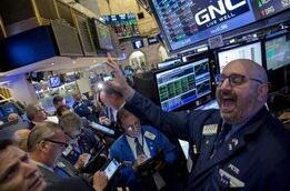 美股周五大跌后反弹,道琼斯指数反弹570点,纳斯达克指数大涨1.6%
